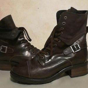 Täōs Dark Brown Boots